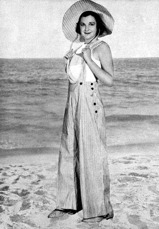 Pajamas Styles That Ladies Wore at Beaches during the 1930s (15)