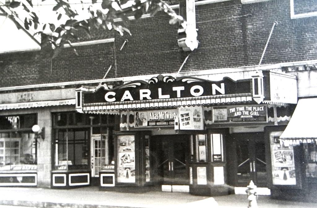 carlton-ao-2033