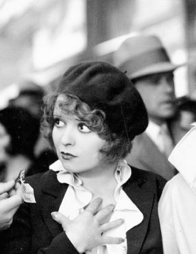 beretclarabow